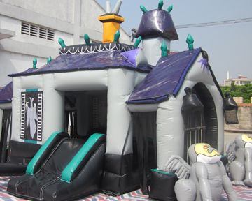 Inflatable Haunted House Bouncer Clowns4kids